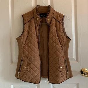 Active USA Camel Brown Quilted Vest With Pockets